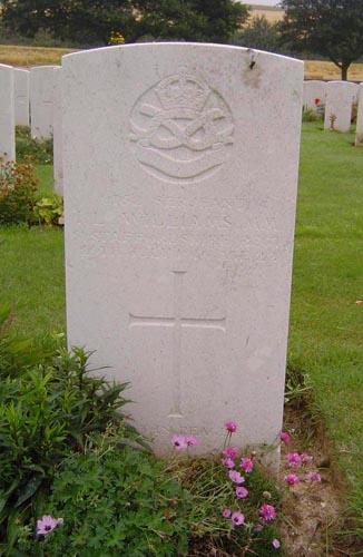 Image of Len's grave